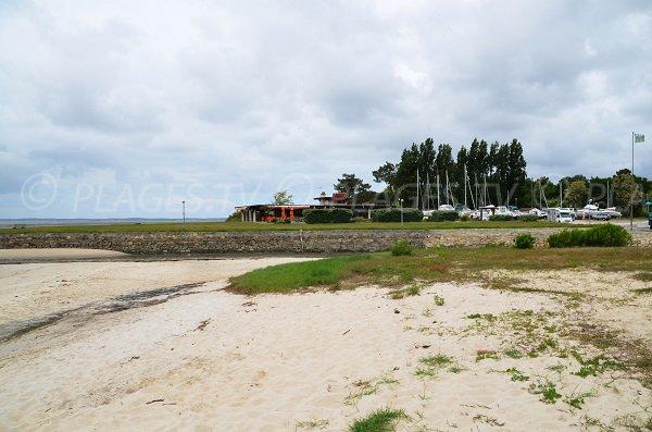 Plage à côté du port de Taussat de Lanton