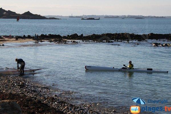Kayak dans l'anse de Térénez à Plougasnou