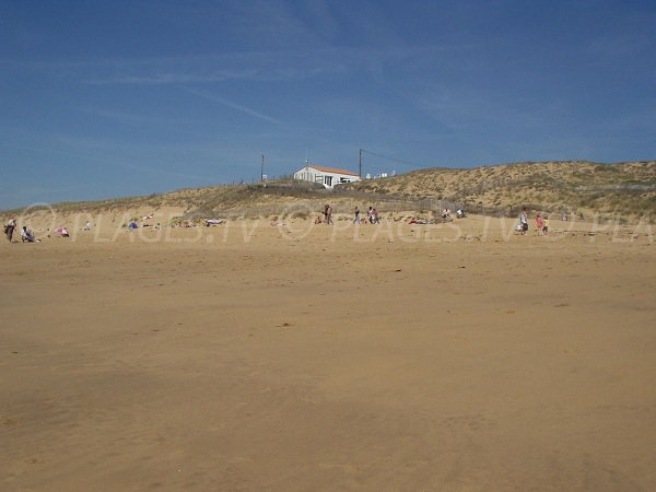 Terrière beach in La Tranche sur Mer - access 152