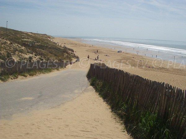 Accès à la plage de la Terrière au niveau de l'entrée 152 à La Tranche sur Mer