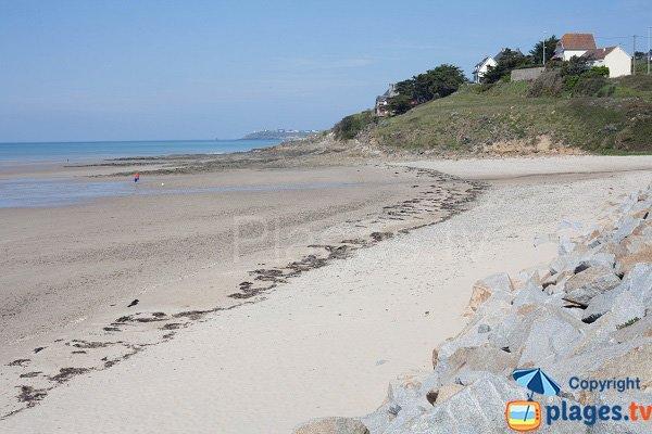 Photo de la plage du Thar côté centre ville de St Pair sur Mer