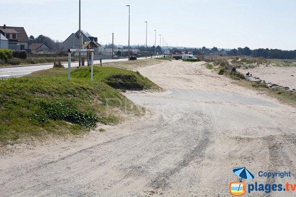 Parking de la plage du Thar à St Pair sur Mer