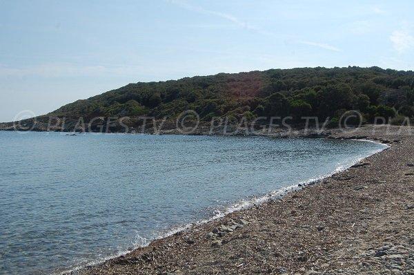 Plage de galets de Tollare en Corse