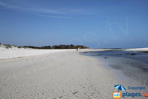 Photo de la plage de Kerbrat - Plougoulm