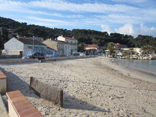Touring beach in saint mandrier sur mer var france for Restaurant st mandrier