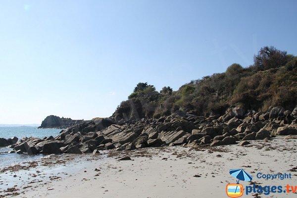 Rochers sur la plage de Traon Erc'h - Roscoff