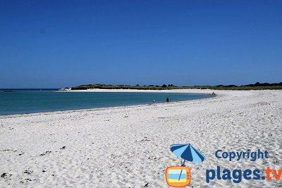 Plage à Tréflez le long des dunes de Keremma - Finistère