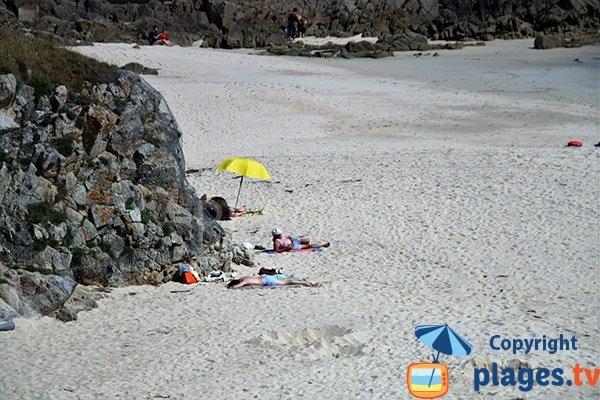 Rochers autour de la plage de Trescadec à Audierne