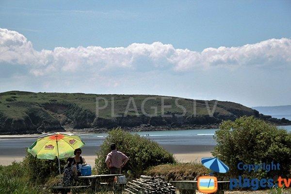 Aire de pique nique à côté de la plage de Trez Bellec à Telgruc sur Mer