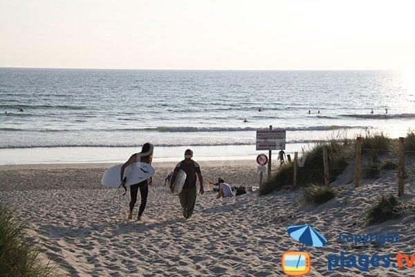 Plage pour le surf à Saint Jean Trolimon - Finistère