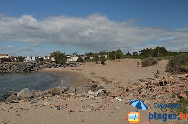 Déchets sur la plage du Trou du Ragout de Vias