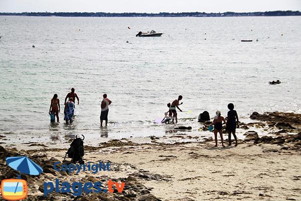 Pêche sur la plage de Ty Bihan à Carnac