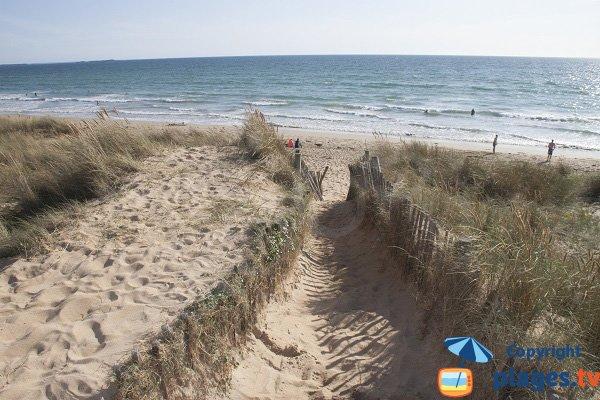 Arrivée sur la plage de Ty Hoche à Plouharnel