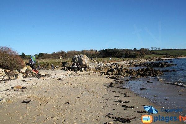 Crique sableuse à Ty Louzou proche de St Samson