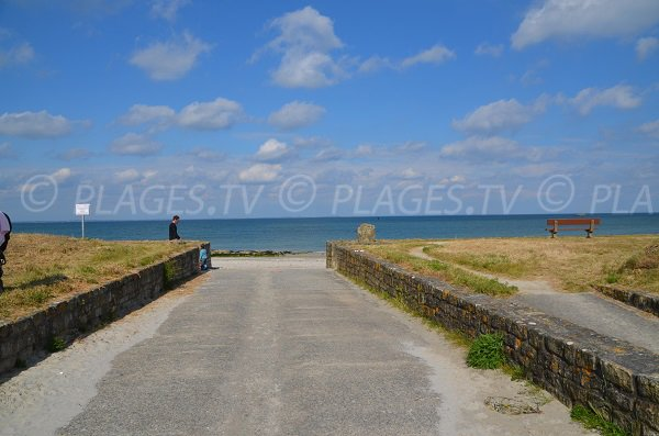 Access to the Vahidy beach in Quiberon