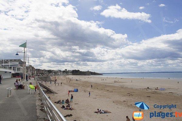 Photo de la plage de Val André en Bretagne