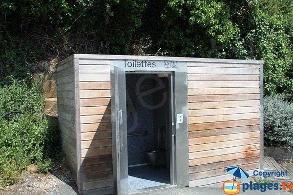 WC sur la plage du Valais à Saint-Brieuc