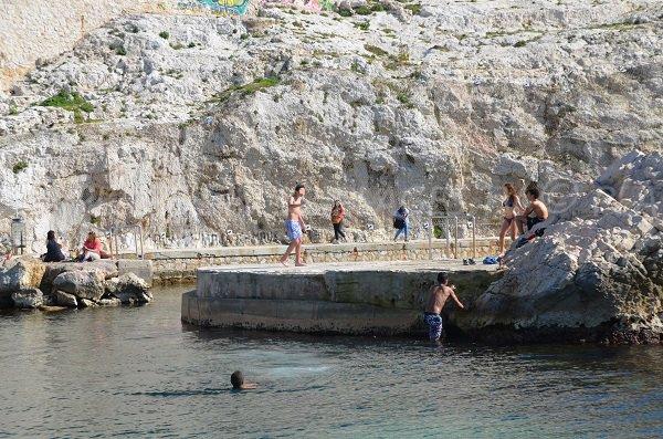 Confidential beach in Marseille - Vallon des Auffes