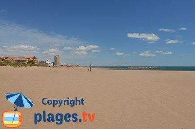Front de Mer de Valras avec sa plage