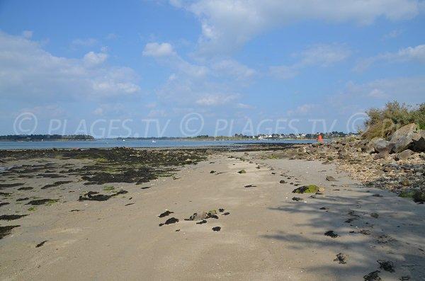 Plage à l'entrée du golfe du Morbihan - Locmariaquer