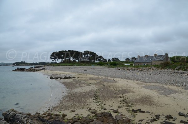 Extrémité de la plage de Le Varlen - Bretagne