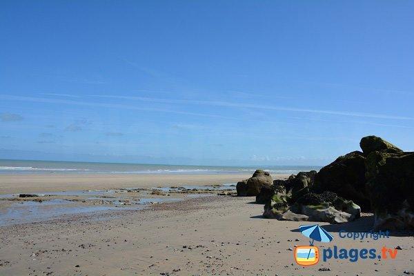 Plage dans la valleuse de Vasterival en Normandie - Ste Marguerite sur Mer