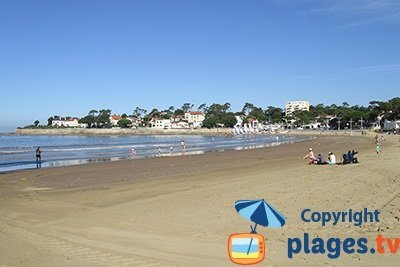 Vaux sur Mer and its beach - France
