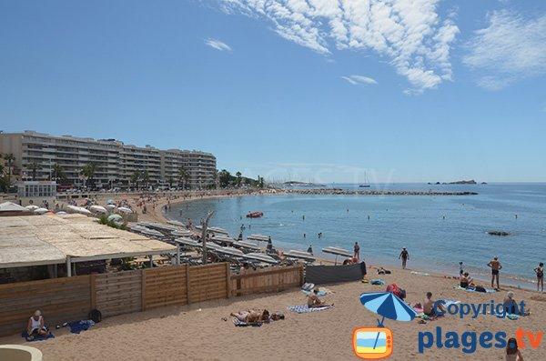 Location de matelas sur la plage du Veillat - St Raphaël
