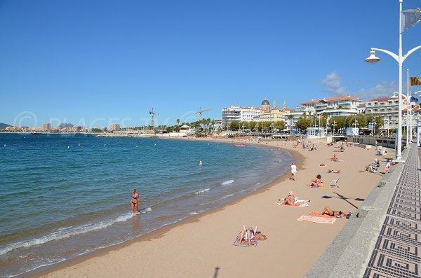 Foto della parte centrale della spiaggia Veillat - St Raphael