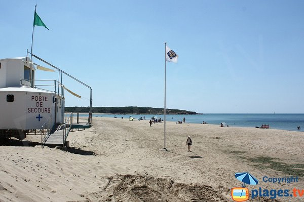 Lifeguard station of Veillon beach - Talmont