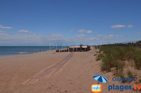 Photo de la plage et des dunes de la plage de Vendres à la limite de Valras