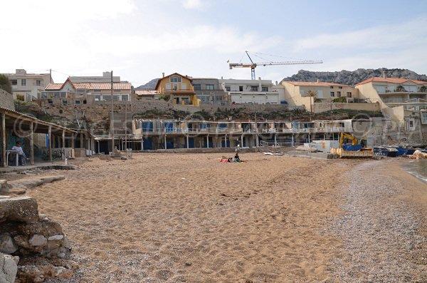 Chez Dédé sur la plage de la Verrerie de Marseille