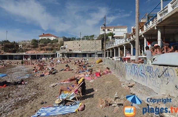 Terrasses des cabanons sur la plage de Bonne Brise - Marseille
