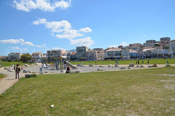 Jardin d'enfant à proximité de la plage de la Vieille Chapelle à Marseille