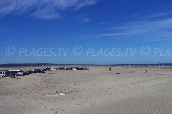 Parking le long de la plage de la Vieille Nouvelle