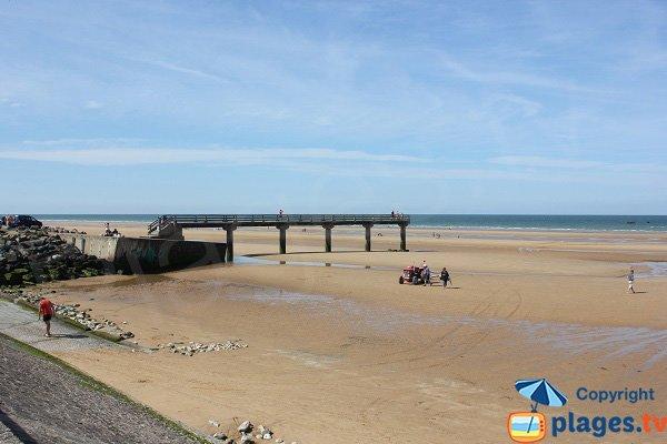 Large sand beach in Vierville sur Mer