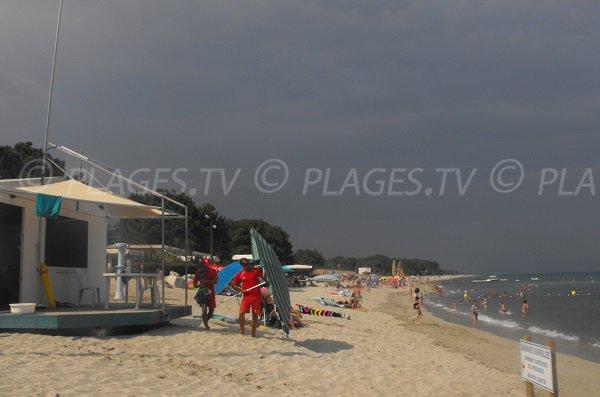 Poste de secours de la plage de la Vignale à Ghisonaccia - Corse