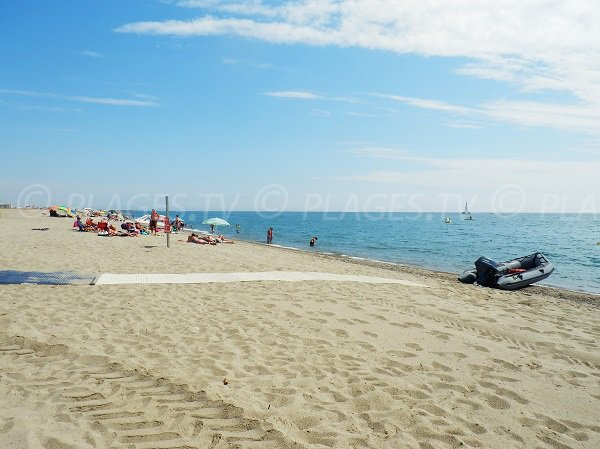 Spiaggia al livello della piazza della Repubblica di Port Barcarès