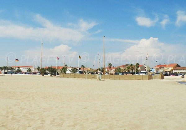 Environnement de la plage du Village Central de Barcarès
