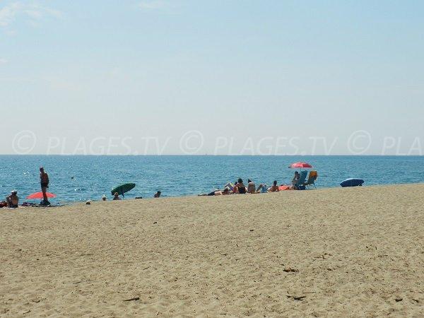 Spiaggia vicino ai campeggi di Port-Barcarès