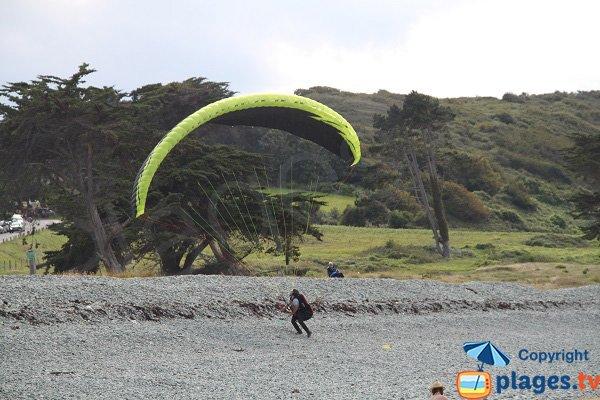 Parapente sur la plage de Ville Berneuf