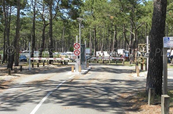 Il parcheggio della spiaggia del Vivier Biscarrosse