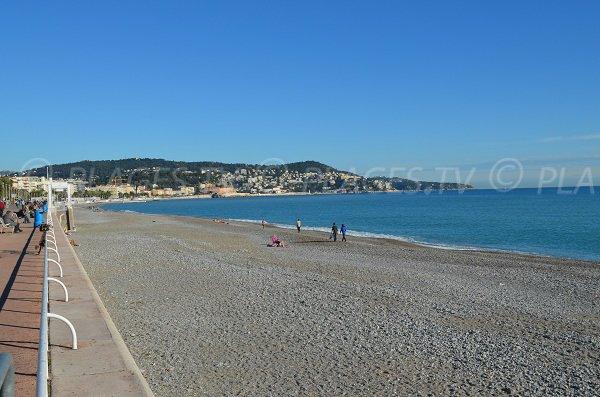 Plage du Voilier le long de la Promenade des Anglais
