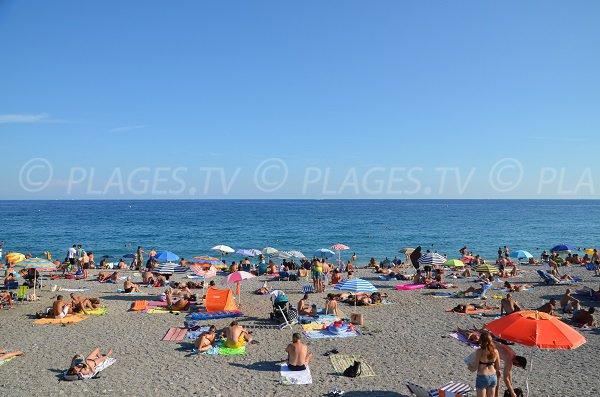 Photo de la plage du Voilier en août à Nice