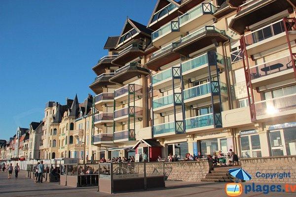 Restaurants et cafés sur le bord de mer de Wimereux