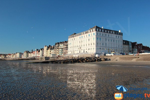 Seaside of Wimereux from the beach