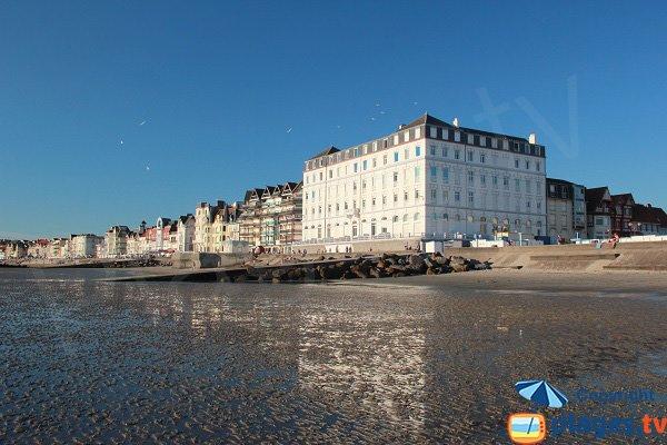 Front de mer de Wimereux depuis la plage
