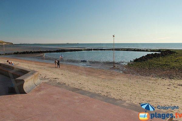 Se baigner à marée basse à Wimereux