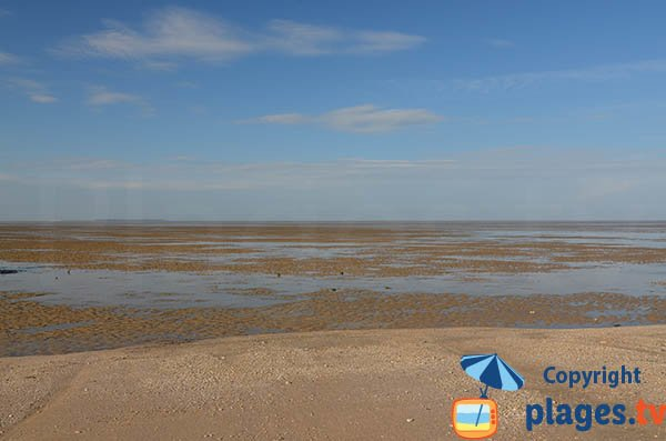 Beach of Yves at low tide