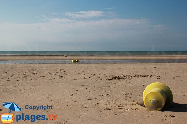 Zuydcoote beach at low tide - France
